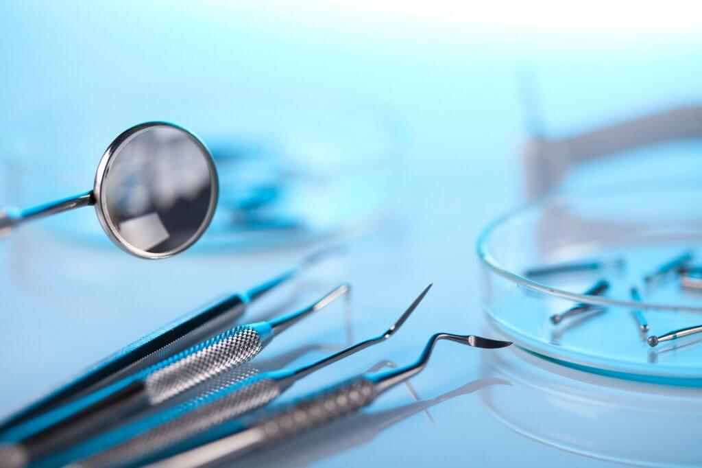 who offers the best endodontist north Miami?